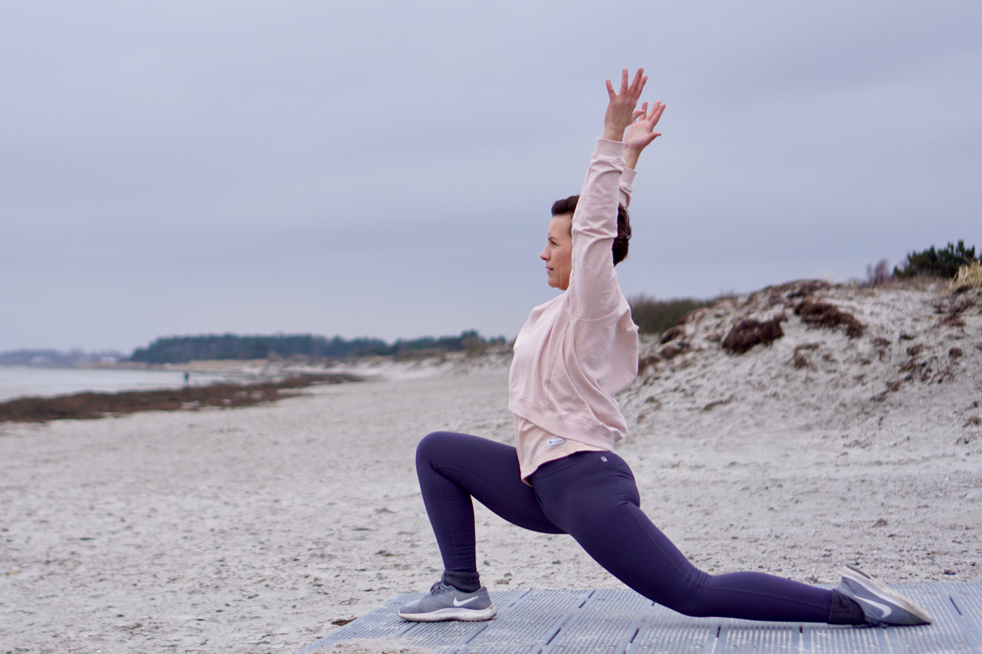Nellie Rolf_advanced lunge_yoga